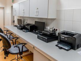Jaką drukarkę etykiet wybrać dla laboratorium medycznego?